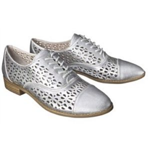 Distressed Silver Laser Cut Out Oxfords 7.5